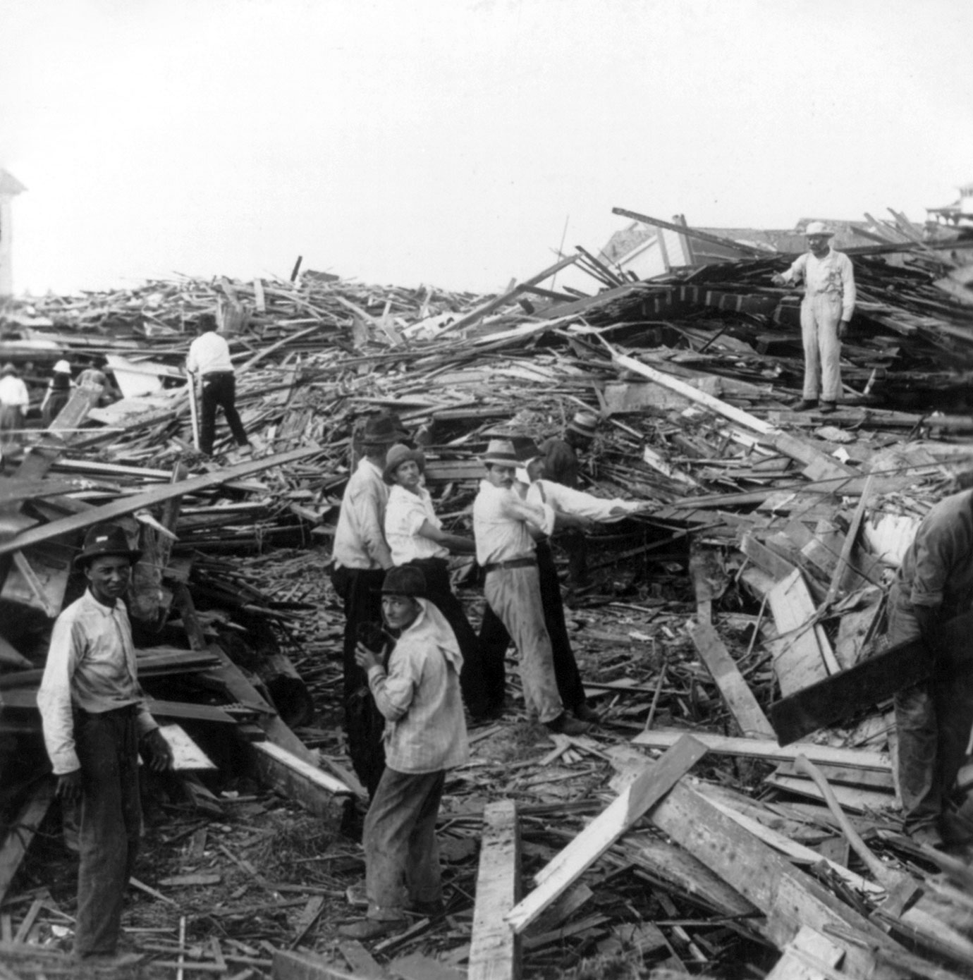 the great galveston hurricane Great galveston disaster, the [paul lester] on amazoncom free shipping on qualifying offers for the survivors of the galveston hurricane, there was no.